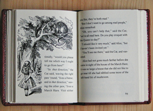 赤井都 豆本「不思議の国のアリス」